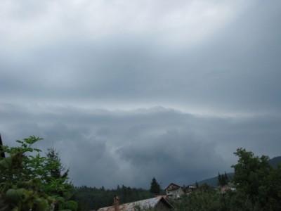 shelf  cloud 1.jpg