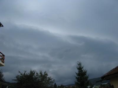 shelf  cloud 2.jpg