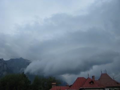 shelf  cloud 3.jpg