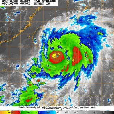 sinlaku intensificandu-se,presiune in acest moment 945mb.jpg